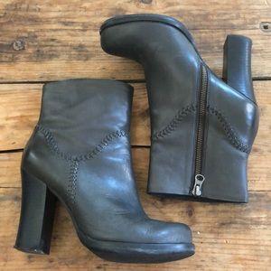 Korkease 8M Charcoal Black Heel Valerie Boots